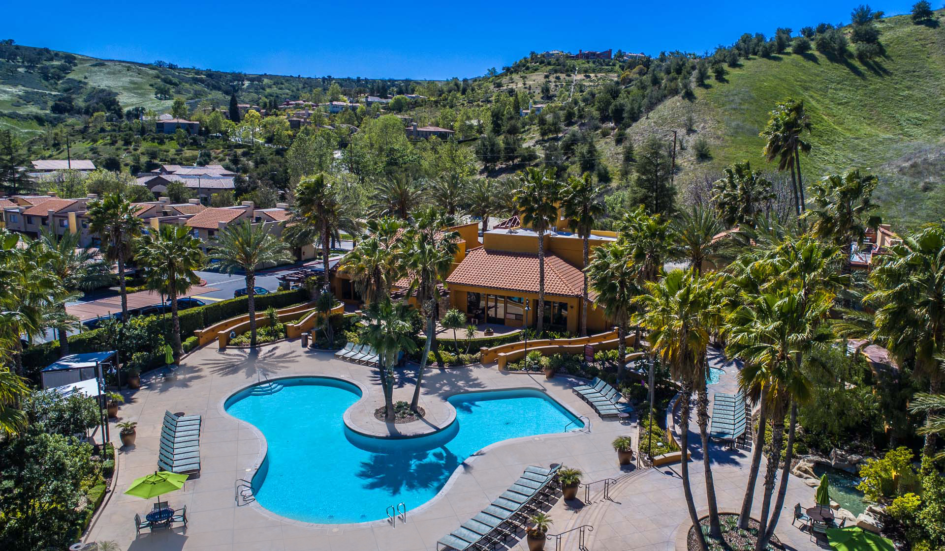 Malibu Canyon - Calabasas, CA - Pool and Patio